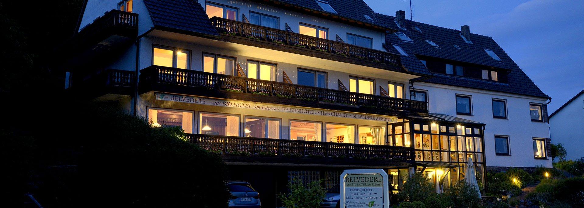 Hotel Belvedere bei Nacht