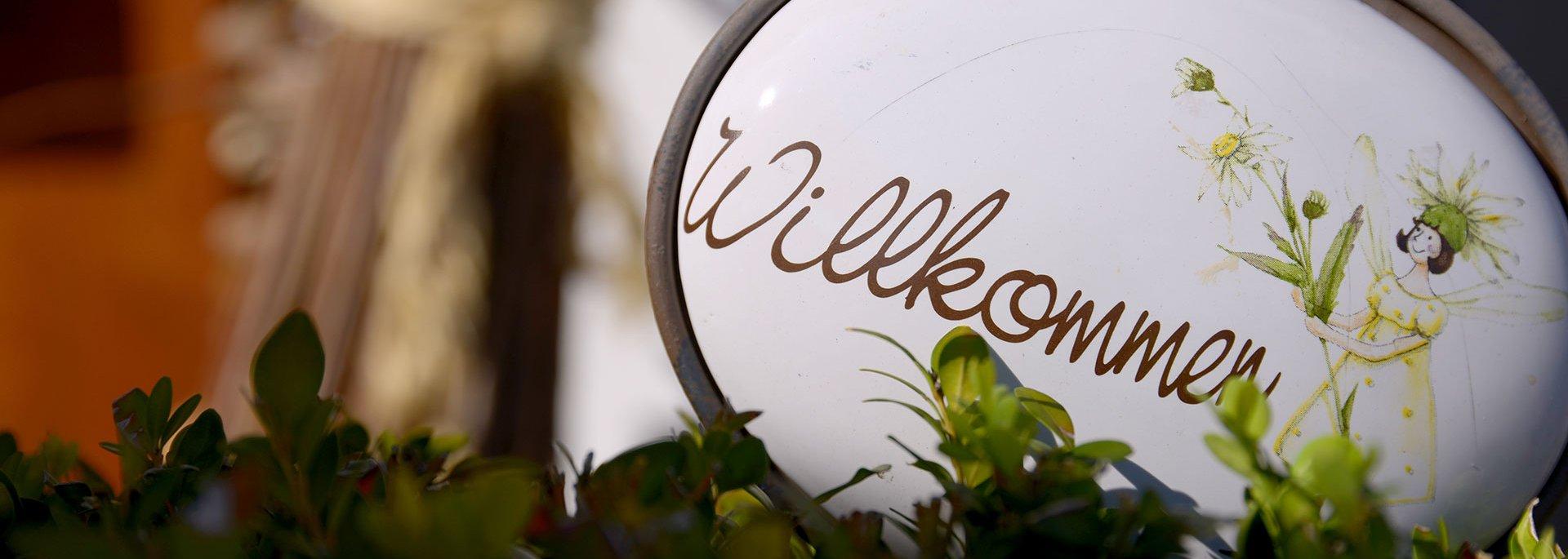 """""""Willkommen"""" Schild"""